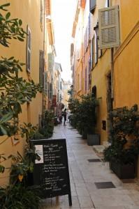 Dans-les-ruelles-de-St-Tropez